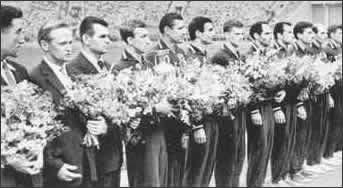 Сборная СССР с первым Кубком Европы