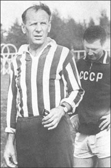 Старший тренер сборной СССР Николай Петрович Морозов