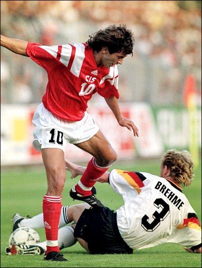 Бремя лидерства в нашей команде взял на себя в матче с немцами Игорь Добровольский.